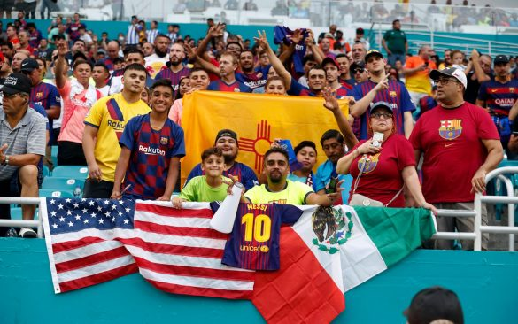 Távoli bombákkal, győzelem Miamiben: Barça – Napoli 2-1